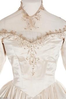 373470-elizabeth-taylors-wedding-dress