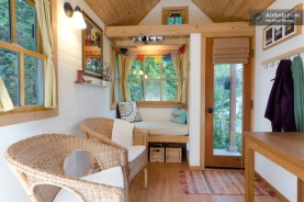 cozy-tiny-house-for-rent-8