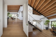 07_naoi-house-large-roof
