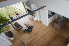 10_naoi-house-large-roof