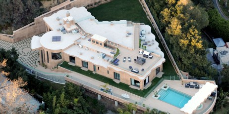 Rihanna reportedly moves out of her $12 million Palisades, LA Mansion