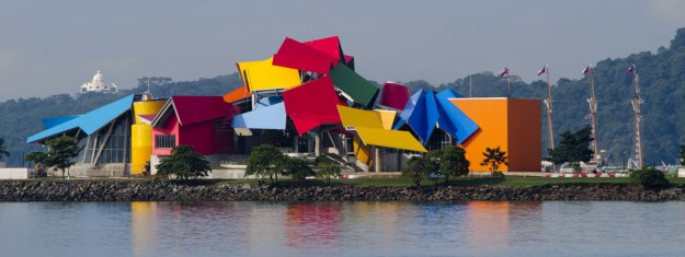 01_biomuseo-gehry