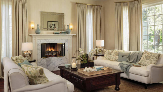 Sarah-Michelle-Gellar-and-Freddie-Prinze-Jr.-Home-Living-Room
