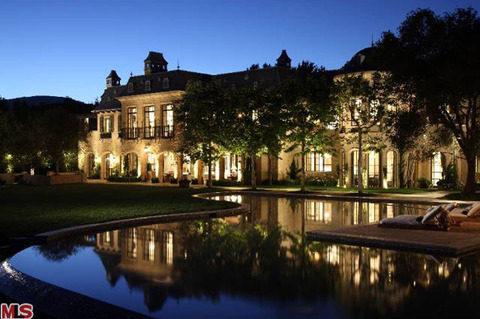 tom-brady-gisele-bundchen-house-photos-0129-480w