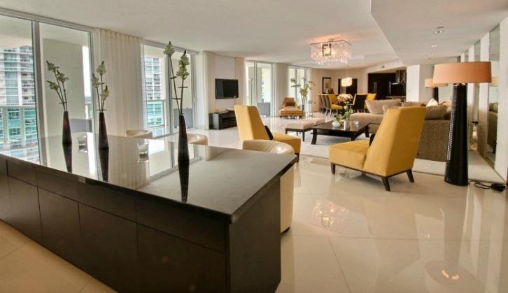 mayweather_condo_livingroom