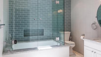 Neil-Patrick-Harris-Home-Bath-2