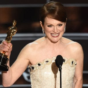 rs_1024x759-150222210753-1024-julianne-moore-acceptance-speech.jw.22215